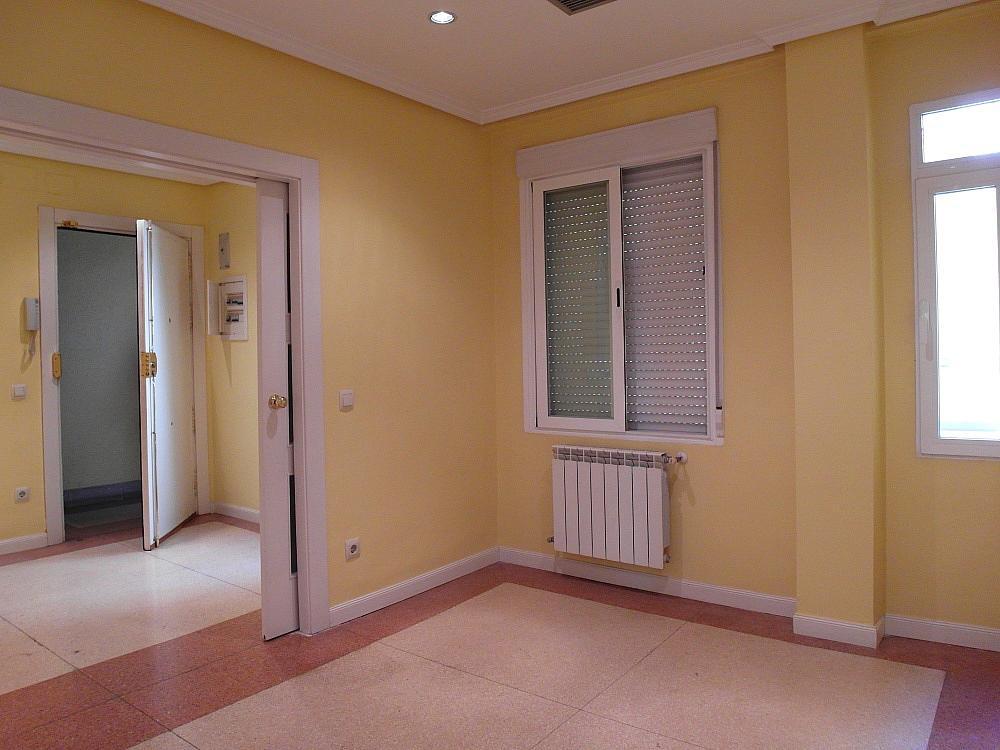 Oficina en alquiler en plaza De Los Mostenses, Centro en Madrid - 251992357