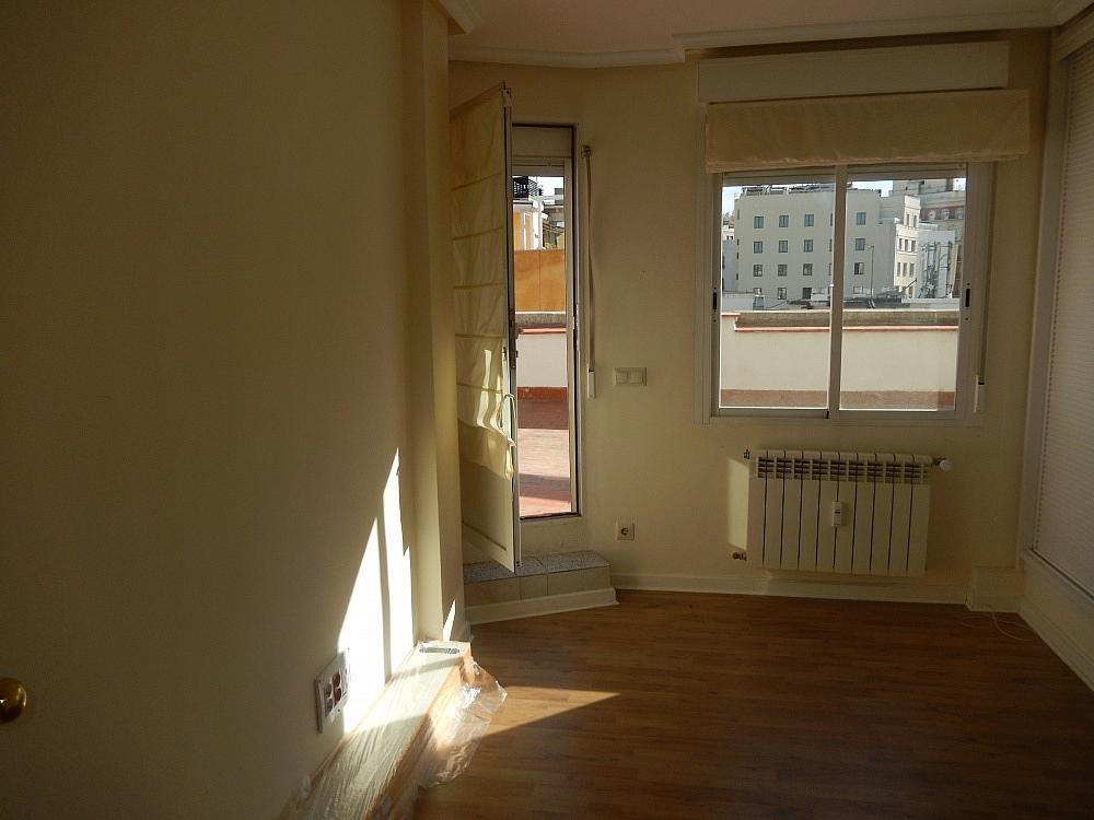 Oficina en alquiler en plaza De Los Mostenses, Centro en Madrid - 330715578