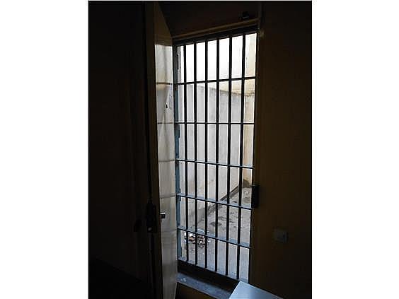 Local en alquiler en La Petxina en Valencia - 377653961