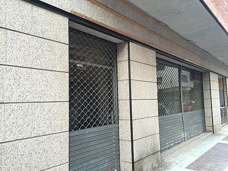 Foto - Local comercial en alquiler en calle San Antonio M Claret, Martorell - 380286494