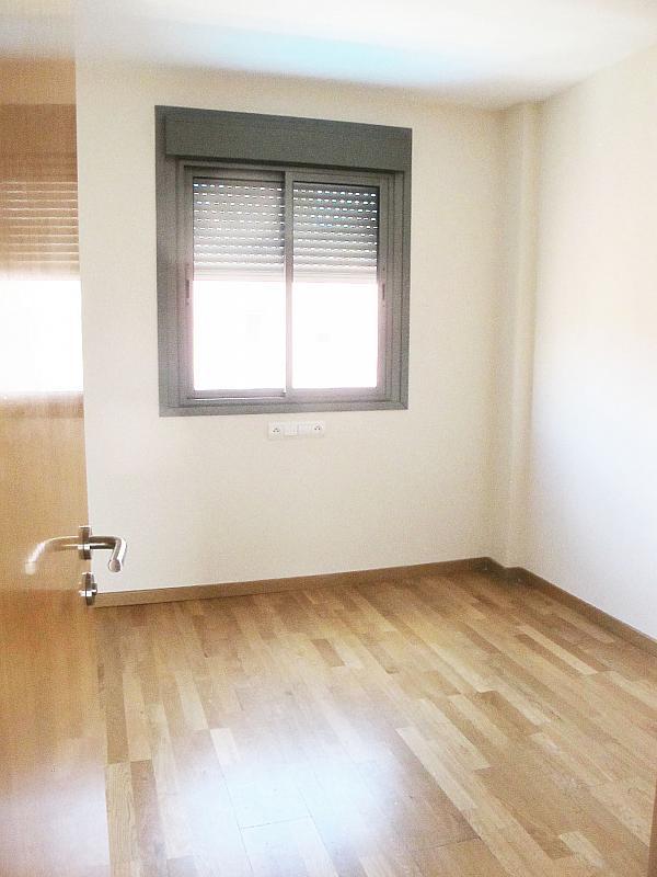 Piso en alquiler en calle Isabel Clara Eugenia, Sanchinarro en Madrid - 272262229