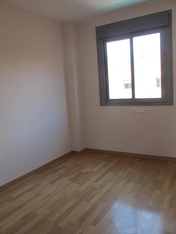 Piso en alquiler en calle Isabel Clara Eugenia, Sanchinarro en Madrid - 272262484
