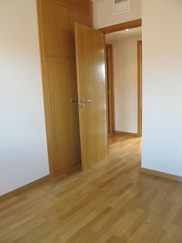 Piso en alquiler en calle Isabel Clara Eugenia, Sanchinarro en Madrid - 272262486
