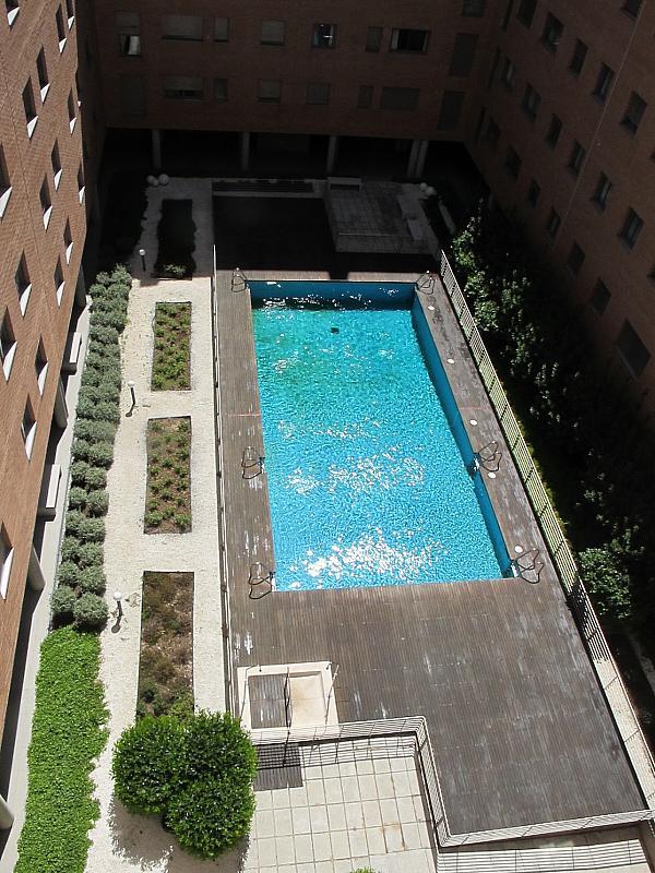Piso en alquiler en calle Isabel Clara Eugenia, Sanchinarro en Madrid - 272263437