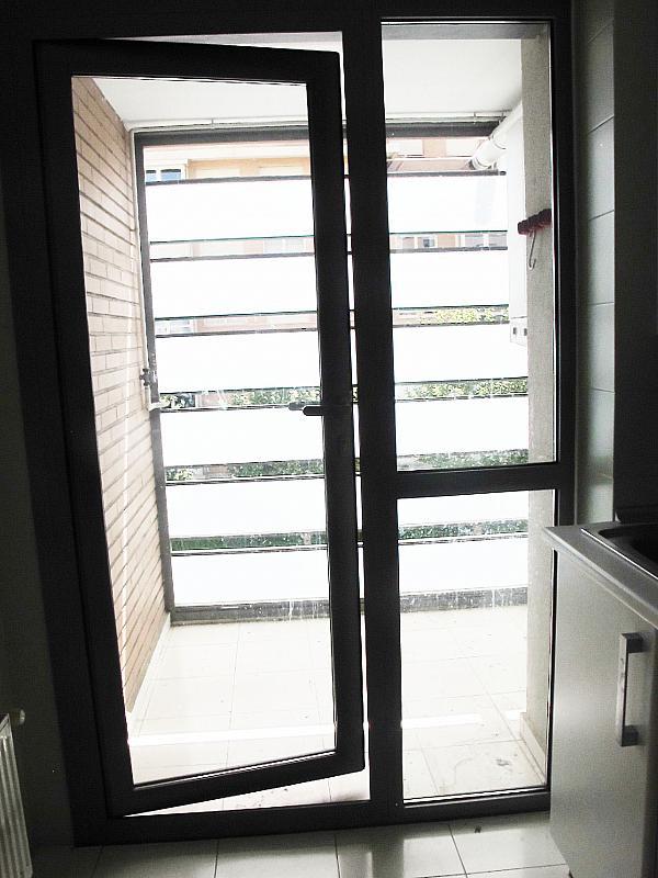 Piso en alquiler en calle Isabel Clara Eugenia, Sanchinarro en Madrid - 272263505