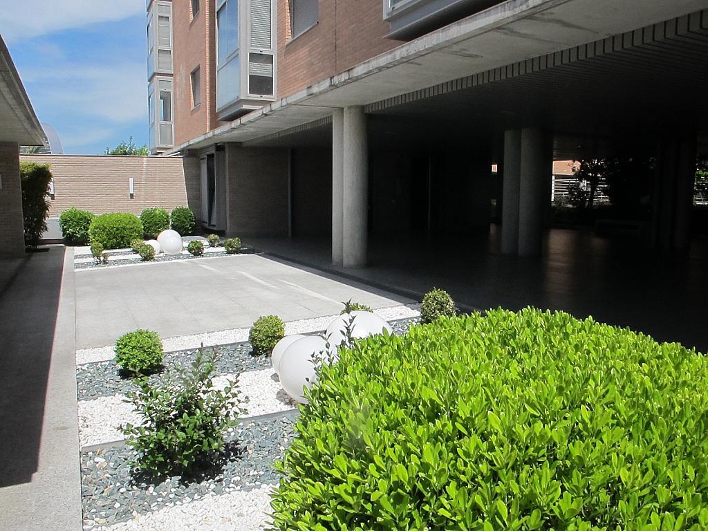 Piso en alquiler en calle Isabel Clara Eugenia, Sanchinarro en Madrid - 272264451
