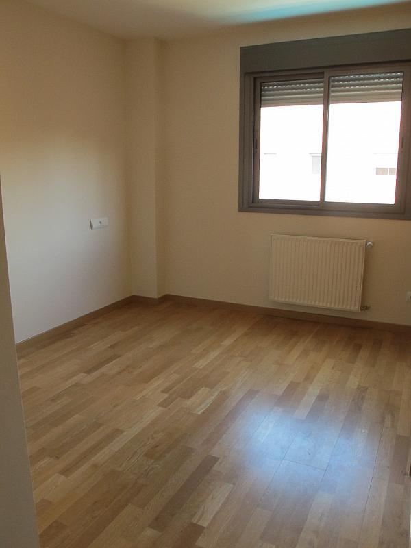 Piso en alquiler en calle Isabel Clara Eugenia, Sanchinarro en Madrid - 272264592