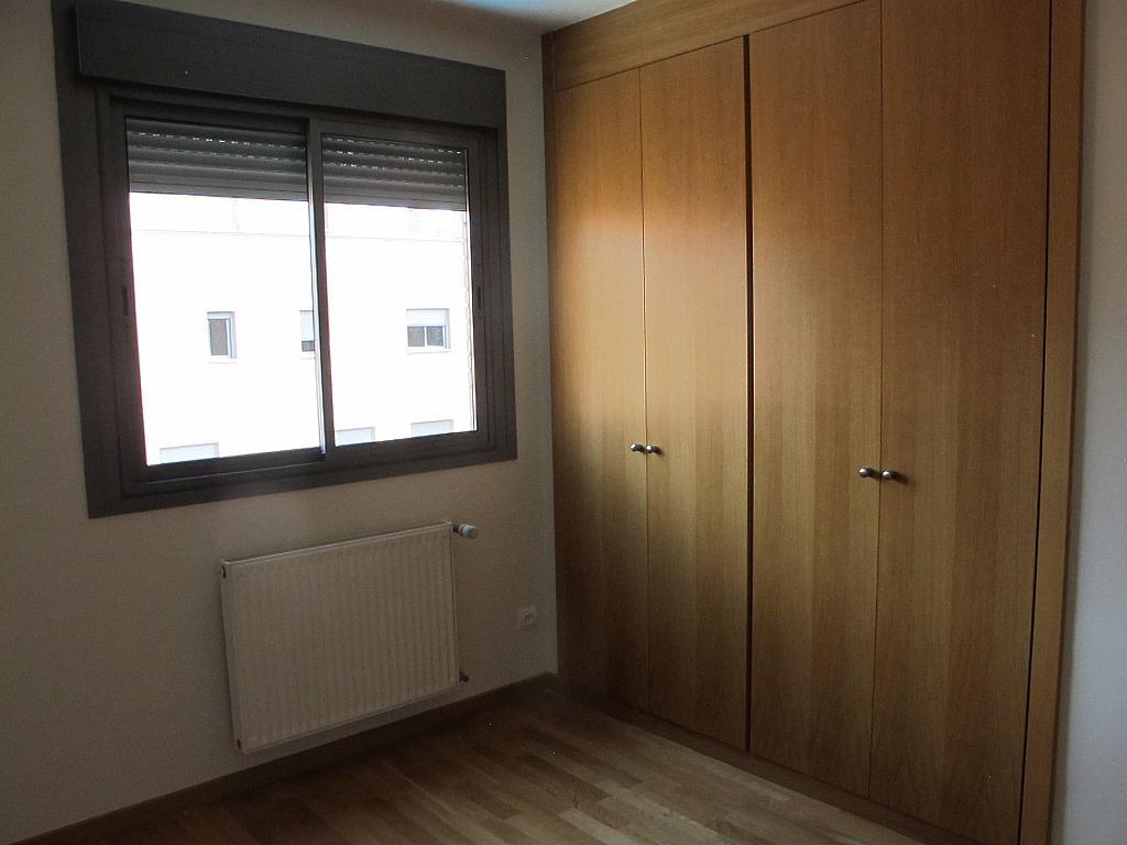 Piso en alquiler en calle Isabel Clara Eugenia, Sanchinarro en Madrid - 272264595
