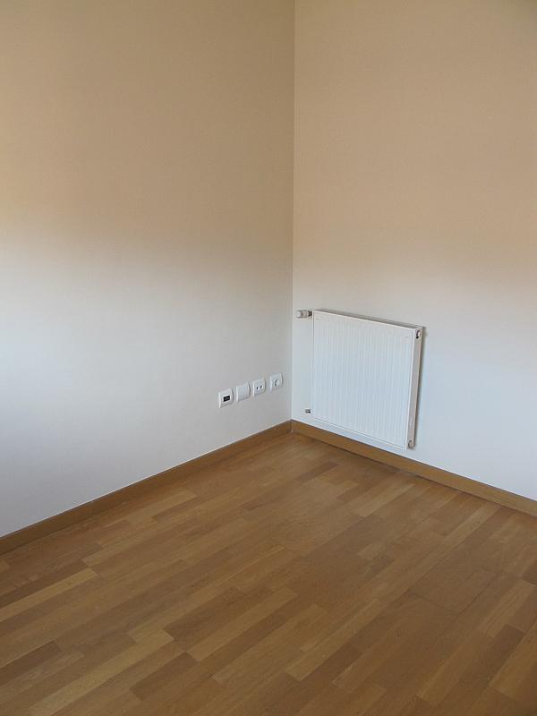 Piso en alquiler en calle Isabel Clara Eugenia, Sanchinarro en Madrid - 272264618