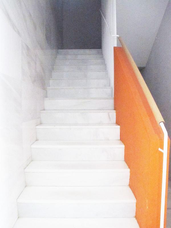 Piso en alquiler en calle Principe Carlos, Sanchinarro en Madrid - 272712927