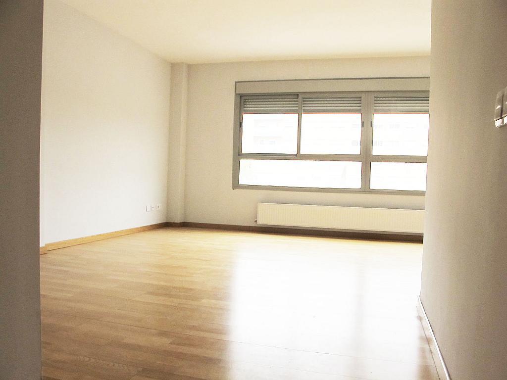Piso en alquiler en calle Principe Carlos, Sanchinarro en Madrid - 272712951