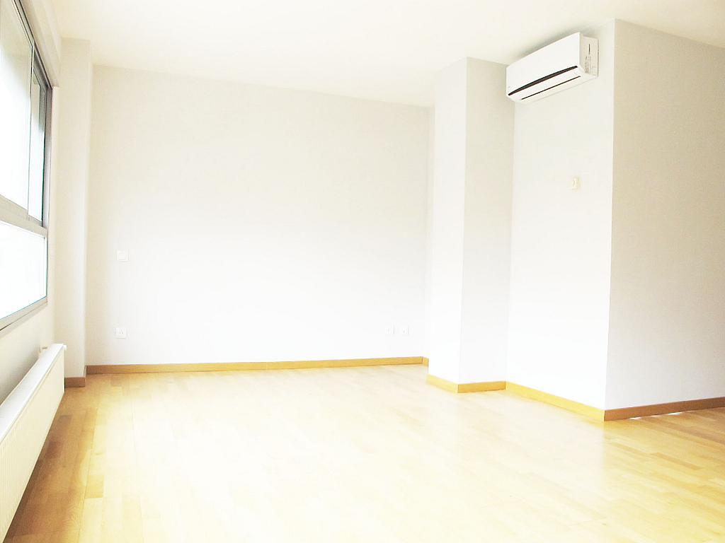 Piso en alquiler en calle Principe Carlos, Sanchinarro en Madrid - 272712952