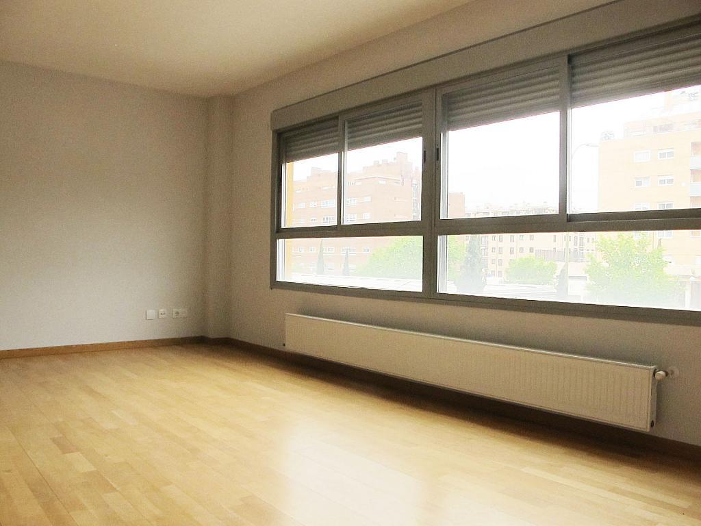 Piso en alquiler en calle Principe Carlos, Sanchinarro en Madrid - 272712954