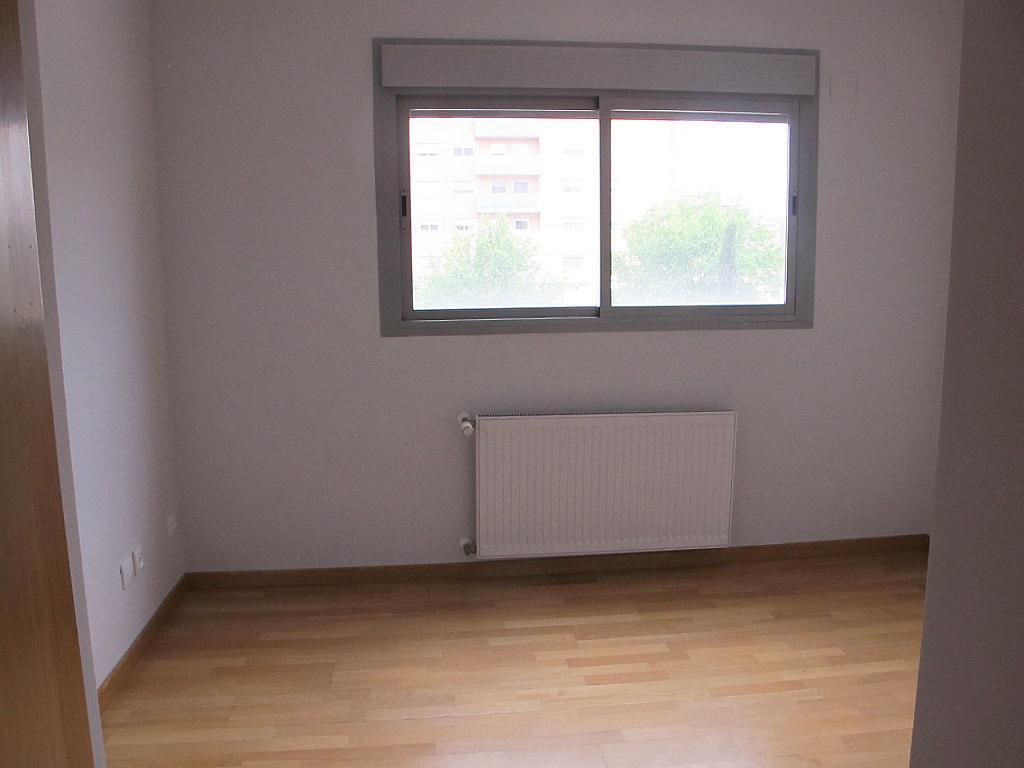 Piso en alquiler en calle Principe Carlos, Sanchinarro en Madrid - 272712978