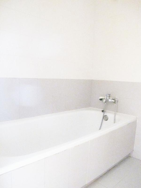 Piso en alquiler en calle Principe Carlos, Sanchinarro en Madrid - 272712985