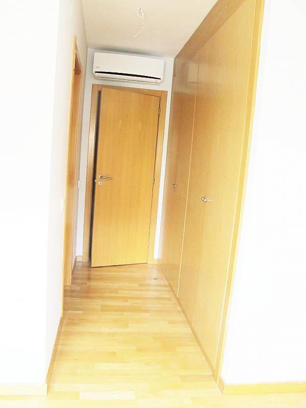 Piso en alquiler en calle Principe Carlos, Sanchinarro en Madrid - 272712987