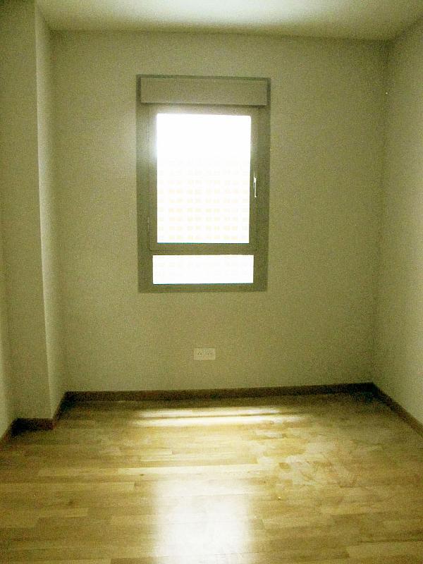 Piso en alquiler en calle Principe Carlos, Sanchinarro en Madrid - 272712994