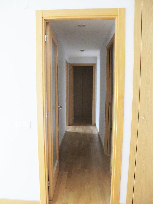 Piso en alquiler en calle Principe Carlos, Sanchinarro en Madrid - 272712997