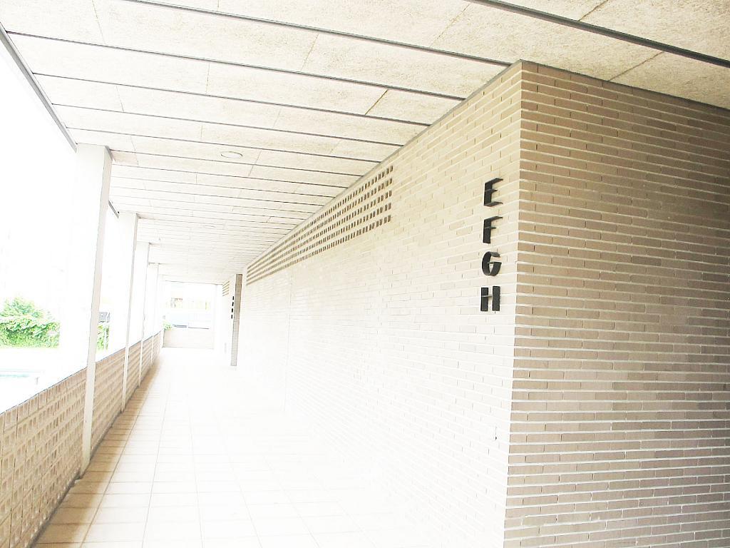 Piso en alquiler en calle Principe Carlos, Sanchinarro en Madrid - 272713006