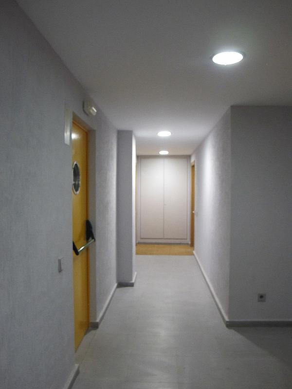 Piso en alquiler en calle Principe Carlos, Sanchinarro en Madrid - 273015746