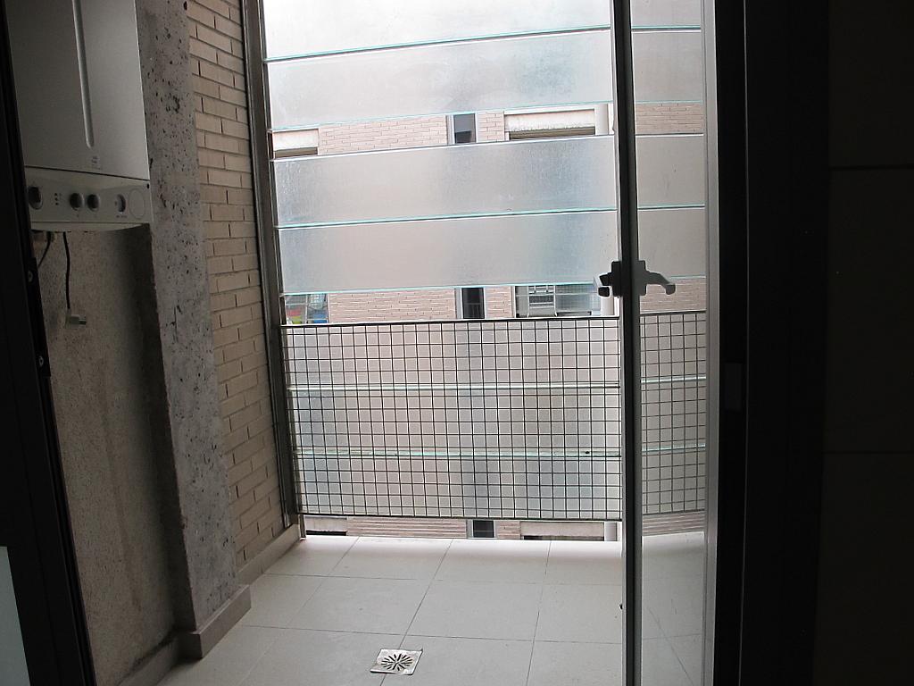 Piso en alquiler en calle Principe Carlos, Sanchinarro en Madrid - 273015768