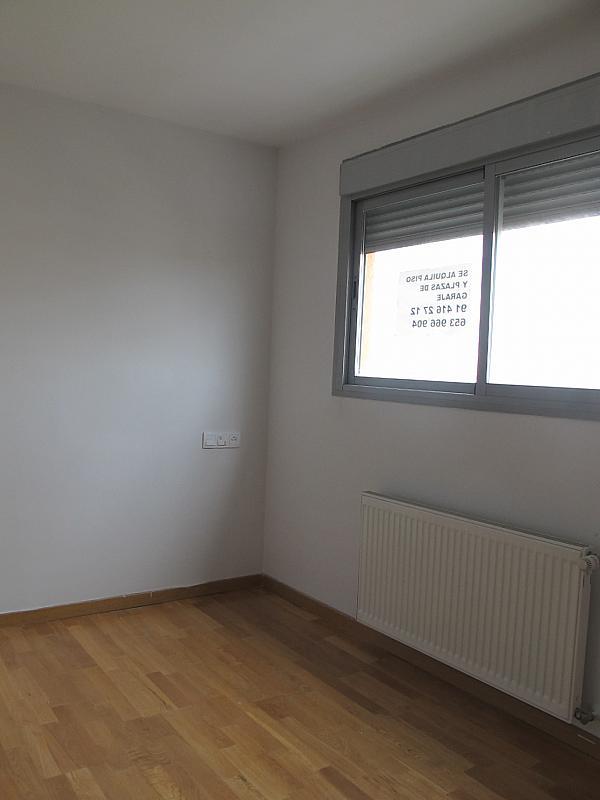 Piso en alquiler en calle Principe Carlos, Sanchinarro en Madrid - 273015822