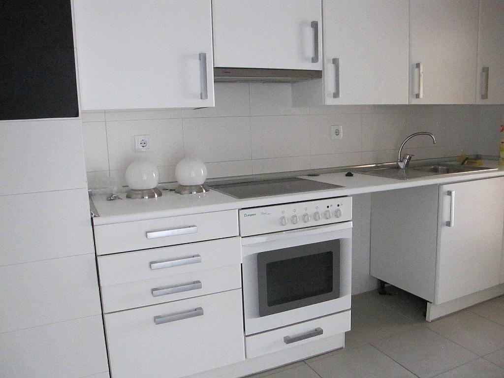 Piso en alquiler en calle Archiduque, Sanchinarro en Madrid - 273016249