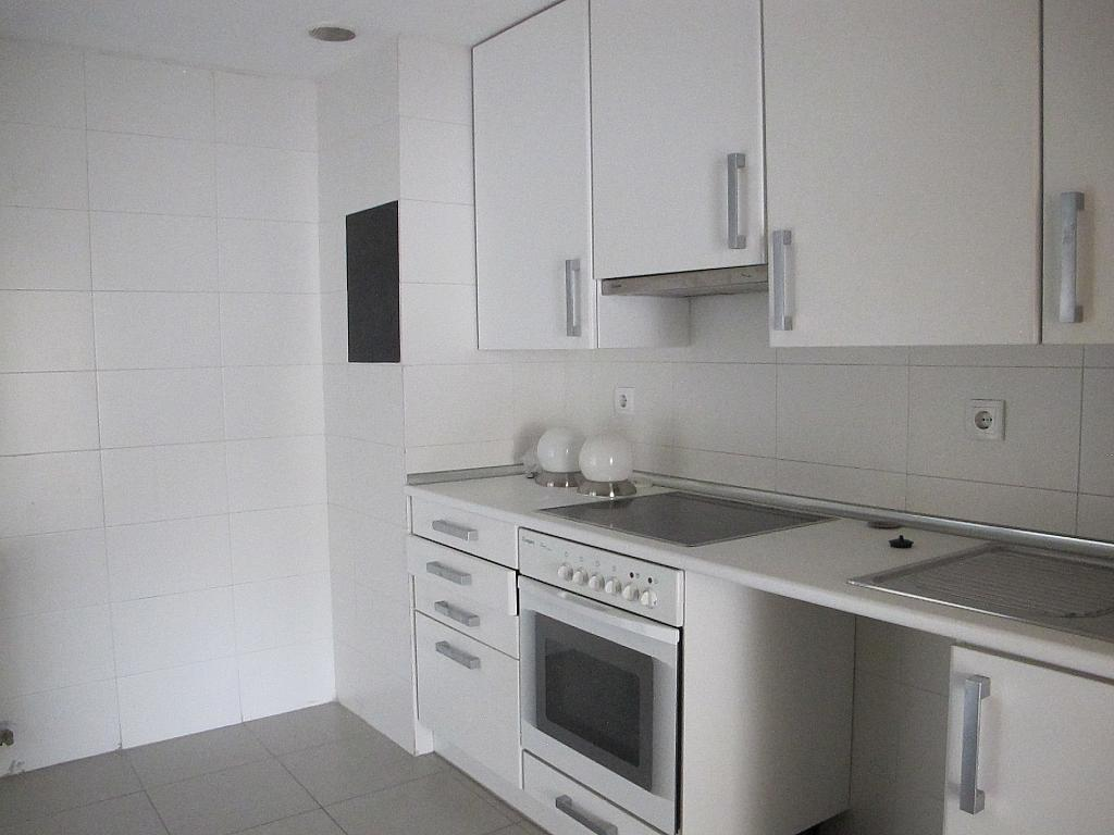 Piso en alquiler en calle Archiduque, Sanchinarro en Madrid - 273016251