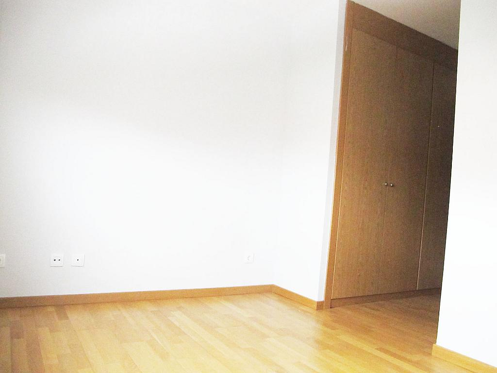 Piso en alquiler en calle Archiduque Carlos, Sanchinarro en Madrid - 273017308