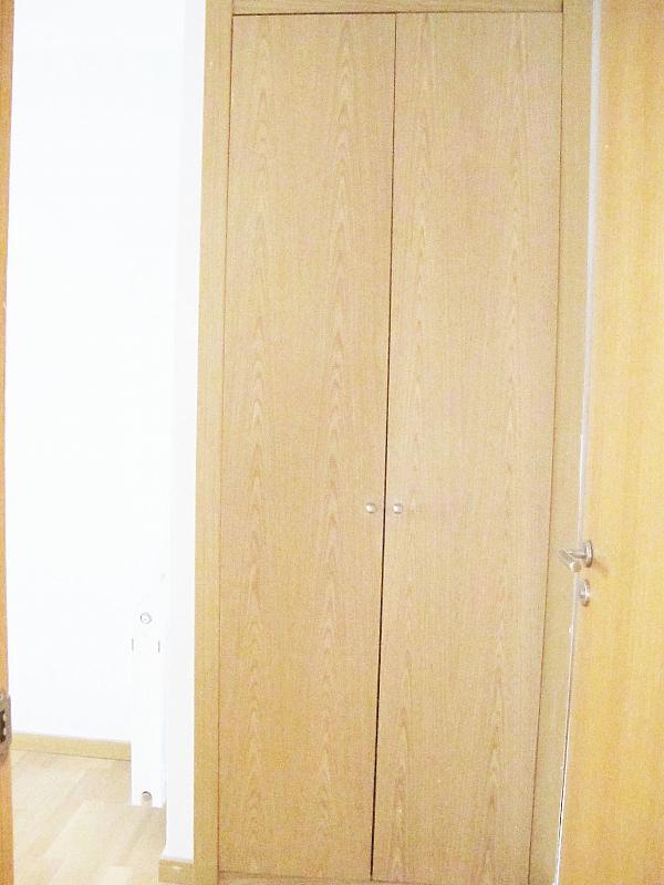 Piso en alquiler en calle Archiduque Carlos, Sanchinarro en Madrid - 273017315