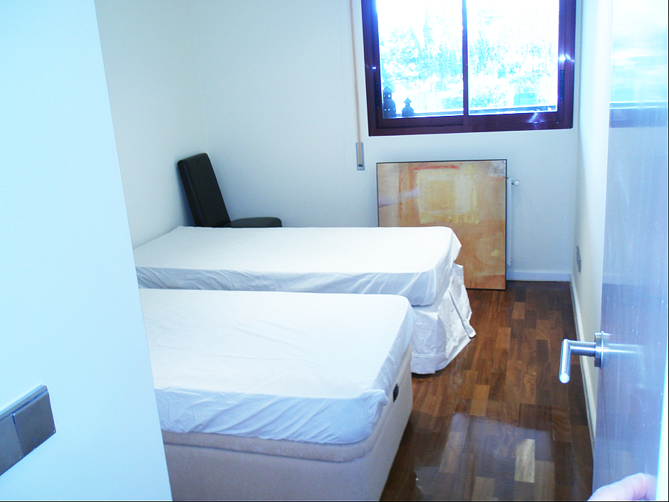 Piso en alquiler en calle Madroños, Canillas en Madrid - 282428464