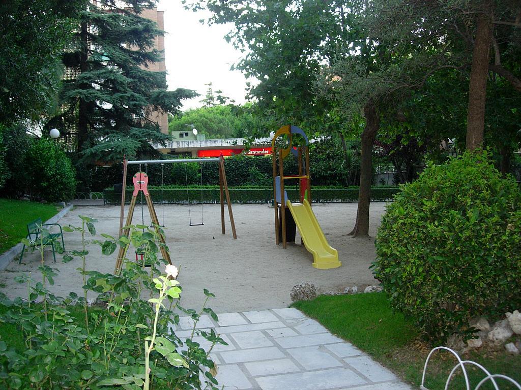 Piso en alquiler en calle Sandalo, Piovera-Conde Orgaz en Madrid - 322511175