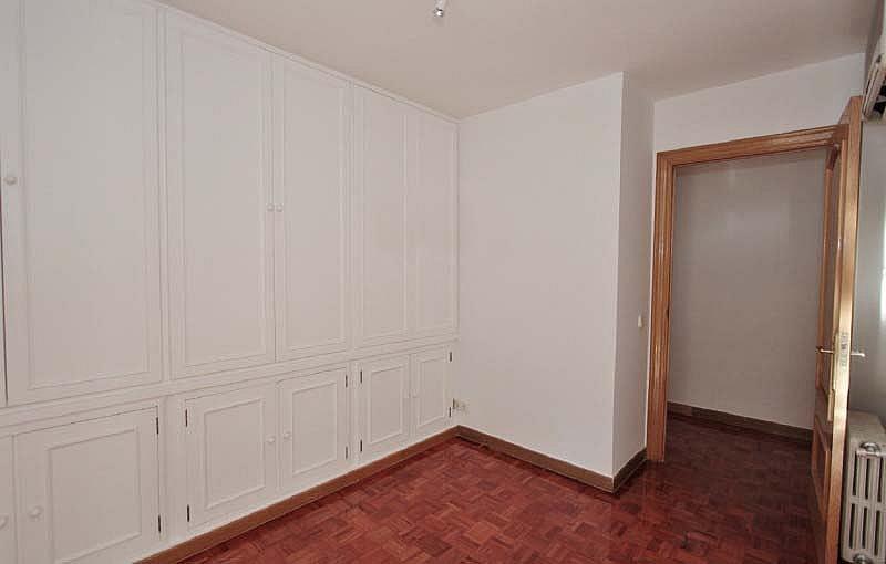 Piso en alquiler en calle Sandalo, Piovera-Conde Orgaz en Madrid - 322511204