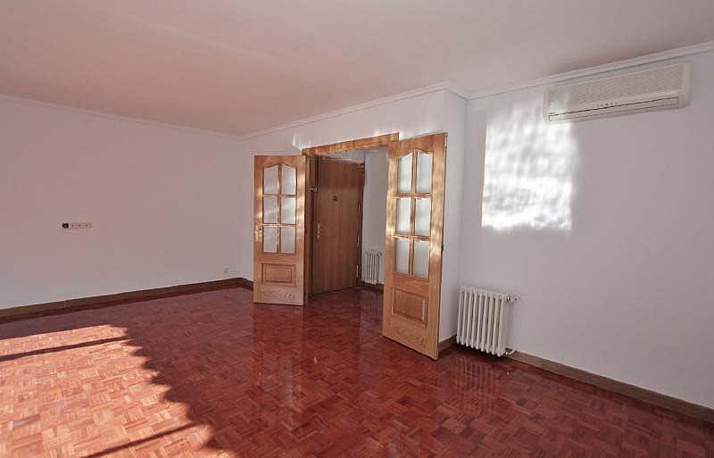 Piso en alquiler en calle Sandalo, Piovera-Conde Orgaz en Madrid - 322511234