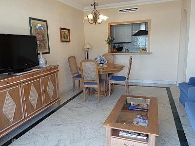 Apartamento en alquiler en Puerto Banús - 349335466