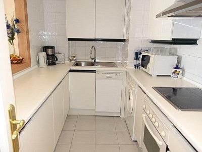 Apartamento en alquiler en Puerto Banús - 349335472