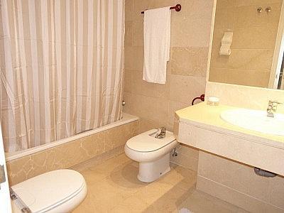 Apartamento en alquiler en Puerto Banús - 349335478
