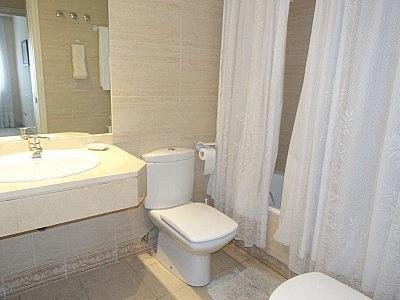 Apartamento en alquiler en Puerto Banús - 349335484
