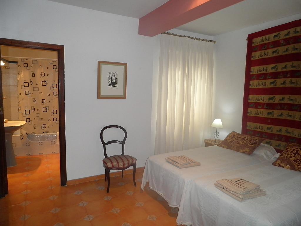 Dormitorio - Piso en alquiler en calle Beatriz de Suabia, Nervión en Sevilla - 267230932