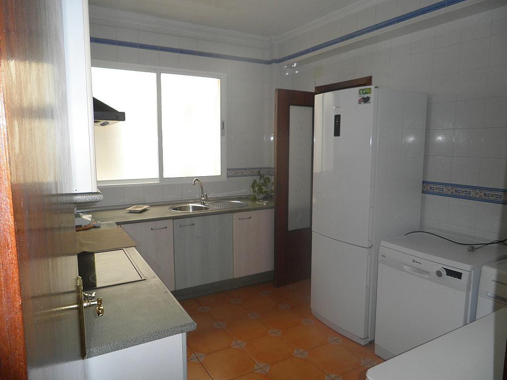 Cocina - Piso en alquiler en calle Beatriz de Suabia, Nervión en Sevilla - 267230959