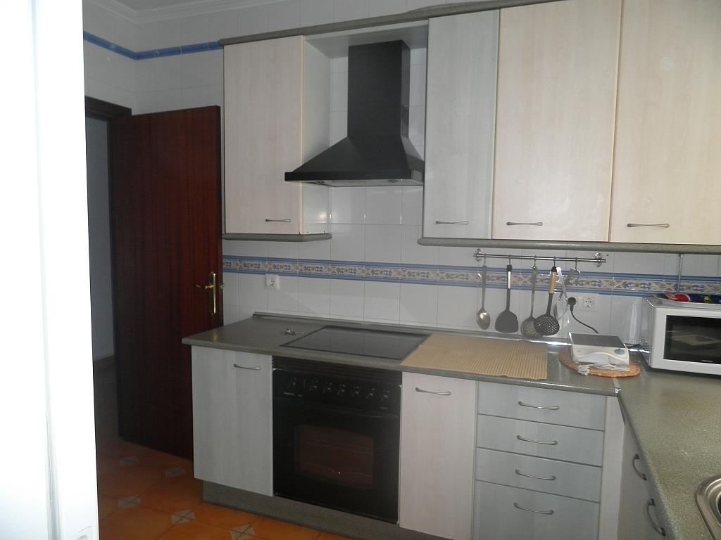 Cocina - Piso en alquiler en calle Beatriz de Suabia, Nervión en Sevilla - 267230964