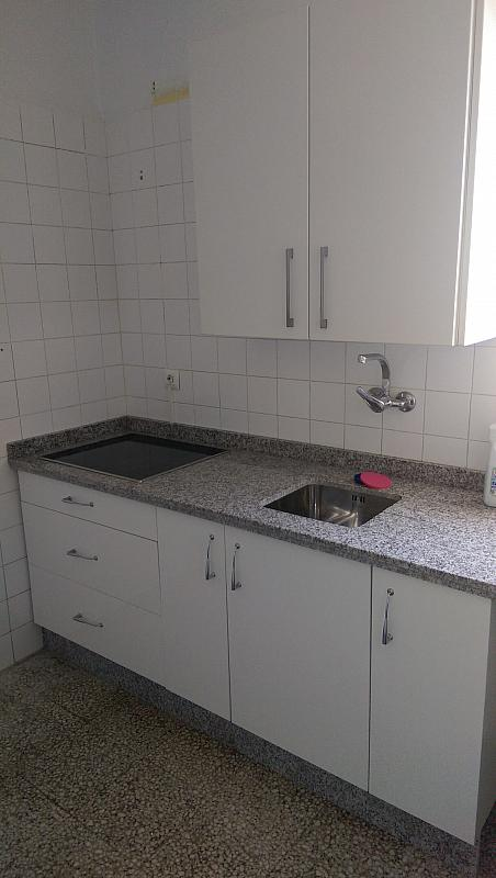 Cocina - Piso en alquiler en calle Venecia, El Torrejón - El Cerezo en Sevilla - 283644626