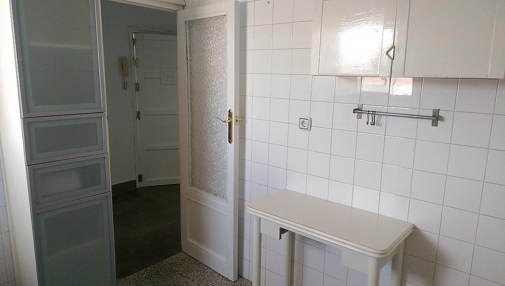 Cocina - Piso en alquiler en calle Venecia, El Torrejón - El Cerezo en Sevilla - 283644627