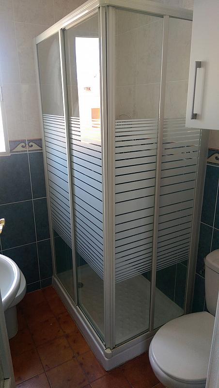 Baño - Piso en alquiler en calle Venecia, El Torrejón - El Cerezo en Sevilla - 283644628