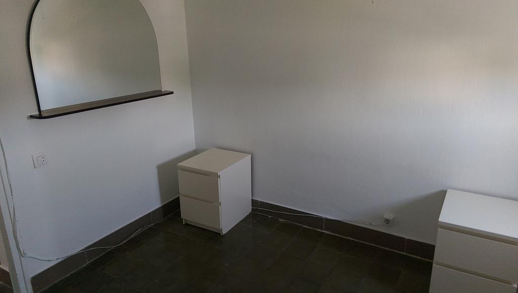 Dormitorio - Piso en alquiler en calle Venecia, El Torrejón - El Cerezo en Sevilla - 283644634