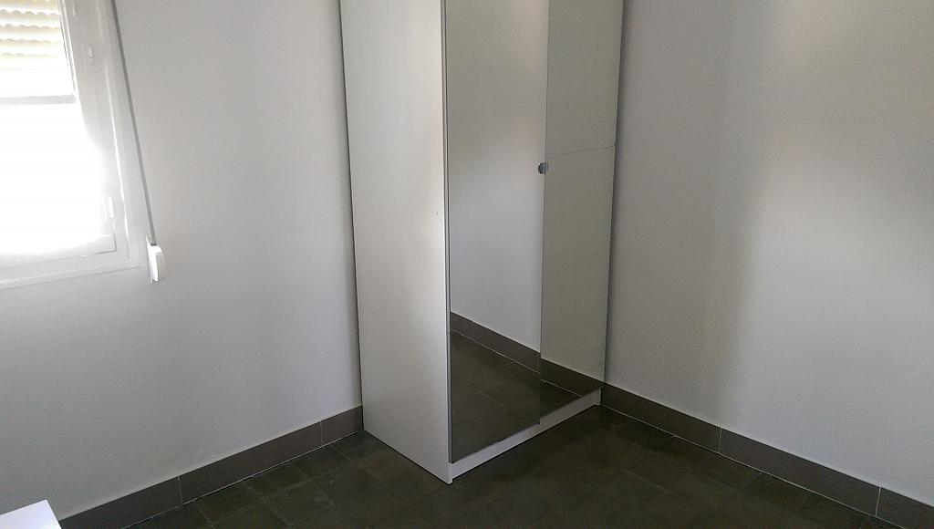 Dormitorio - Piso en alquiler en calle Venecia, El Torrejón - El Cerezo en Sevilla - 283644637