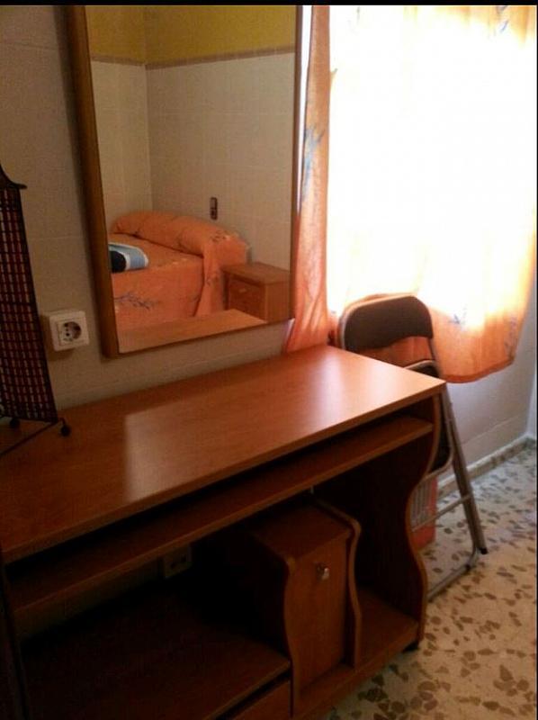 Piso en alquiler en calle Oviedo, Zona Ronda de Triana en Sevilla - 293133813