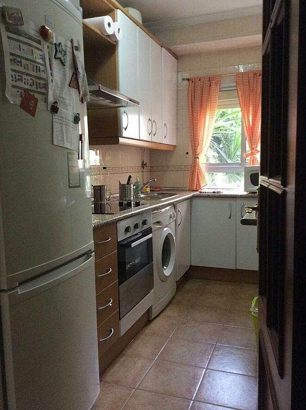 Piso en alquiler en calle Beatriz de Suabia, Nervión en Sevilla - 299725016