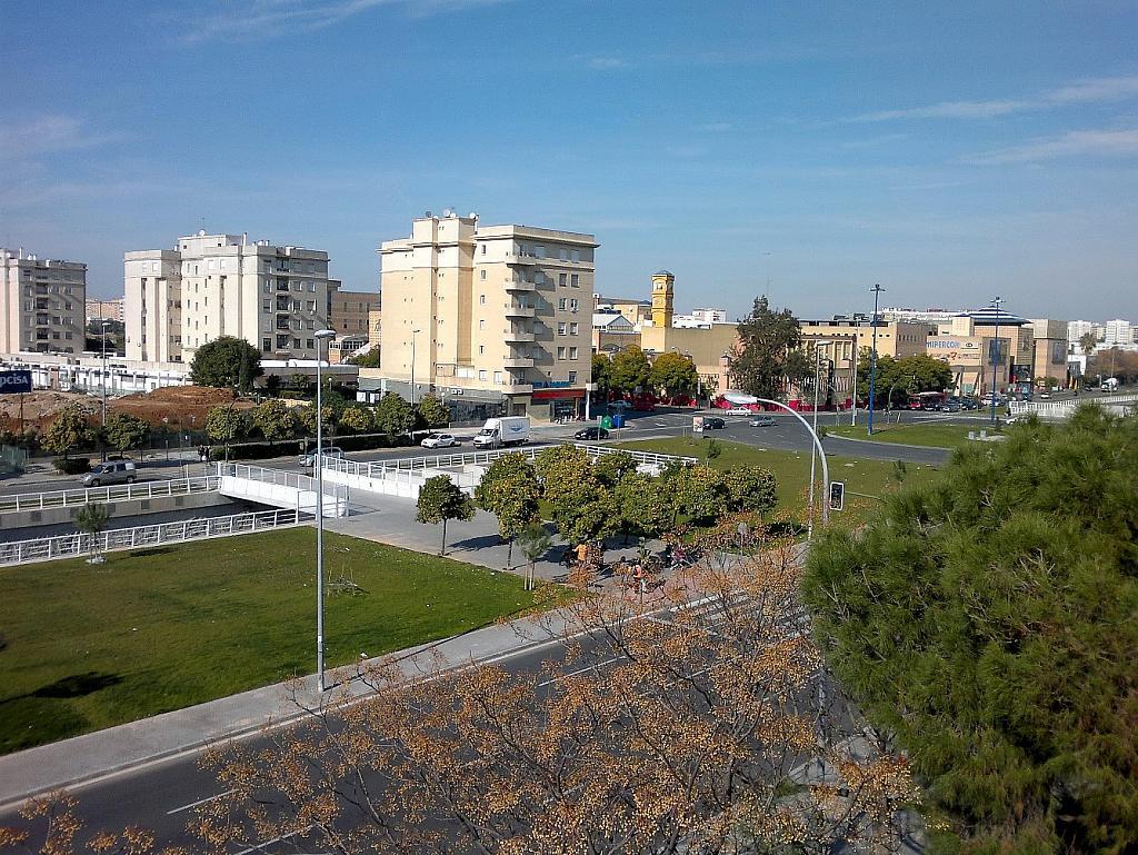 Piso en alquiler en calle Cruz del Sur, Nervión en Sevilla - 301816881