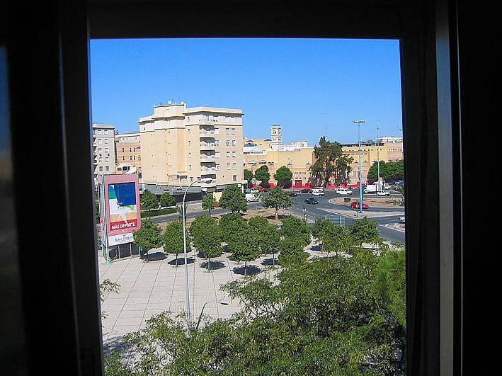 Piso en alquiler en calle Cruz del Sur, Nervión en Sevilla - 301816907